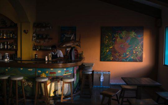 hoge barkrukken cafe